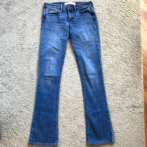 ABERCROMBIE & FITCH SKINNY BOOT LIGHT WASH JEANS